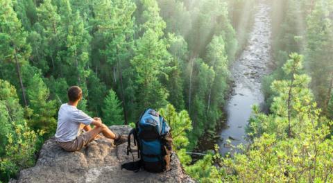 كيفين ريفاتون خبير السياحة المستدامة