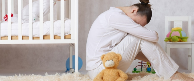 اكتئاب ما بعد الولادة لدى الأم  أعراضه ونتائجه